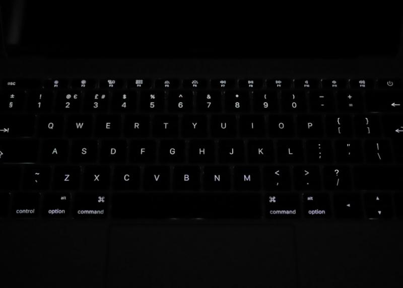 MacBook-Modelo-A1534-Preto-2-polegadas-2015-3